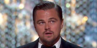 Leonardo DiCaprio tenta una cena in incognito Strano episodio per Leonardo DiCaprio, tenta una cena in incognito Leonardo DiCaprio tenta di cenare in incognito con una felpa con cappuccio per una serata romantica con Camila Morrone a West Hollywood