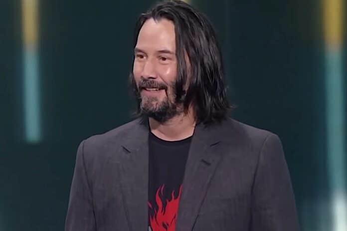 La fidanzata di Keanu Reeves spiega perchè non si tinge i capelli! Curiosa scelta, la fidanzata di Keanu Reeves spiega perchè non si tinge i capelli!