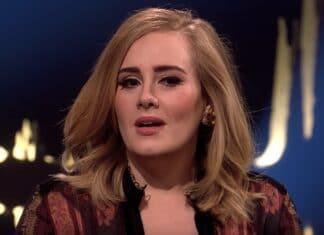 Adele rivela di aver perso peso Adele ha preso il sole con il caro amico Harry Styles, 25 anni, ad Anguilla dopo aver stupito i fan con la sua incredibile perdita di peso.